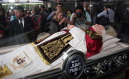 [Imagem: reliquias-papa-juan-pablo-II-morelia-mic...111017.jpg]