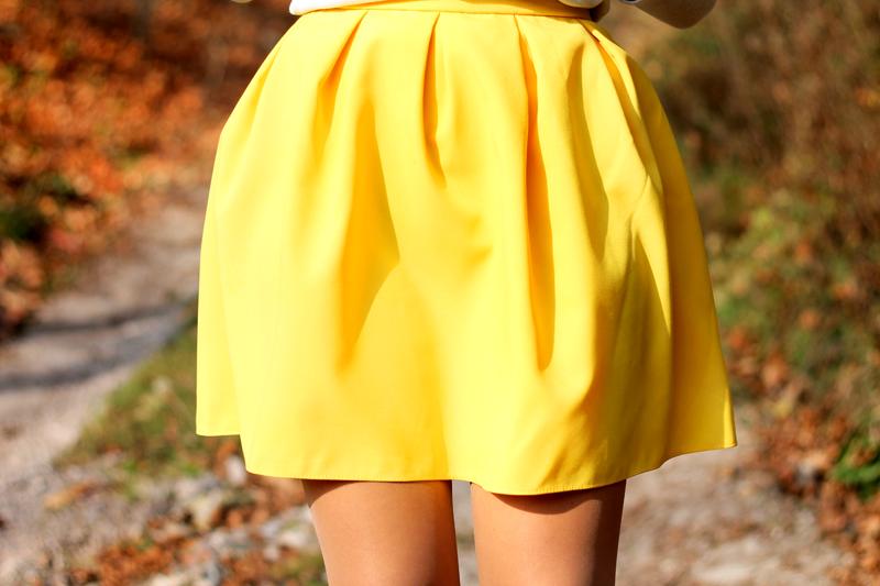rozkloszowana zolta spodnica