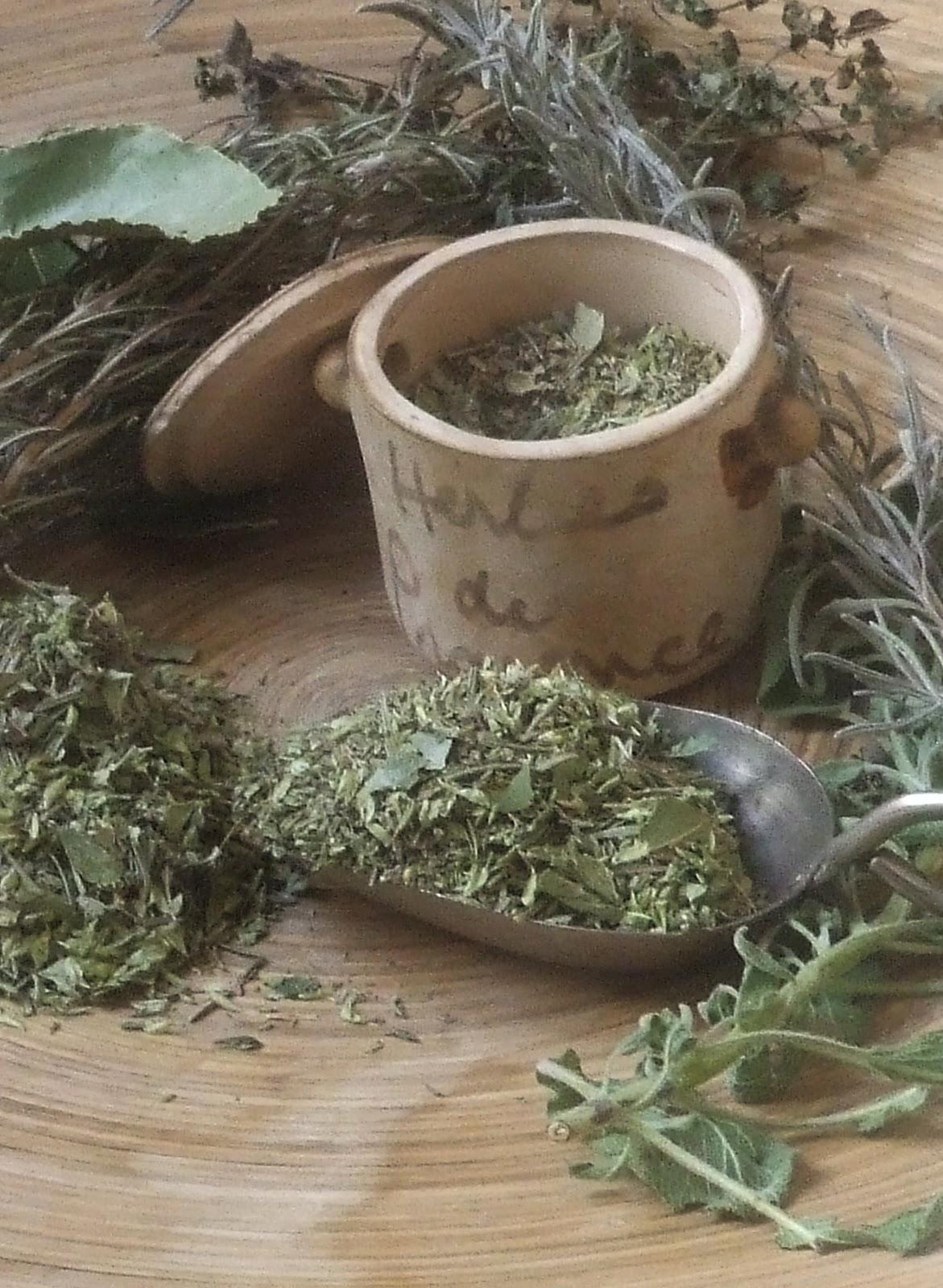 o cozinheiro este algarve variations on a theme of herbes de provence. Black Bedroom Furniture Sets. Home Design Ideas
