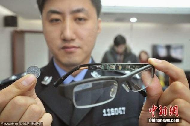 Peralatan James Bond Untuk Meniru Dalam Peperiksaan Oleh Pelajar China