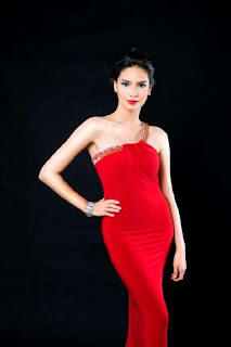 Erich Gonzales red gown
