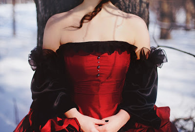 Red_Black_Victorian_Fantasy_Wedding_Gown
