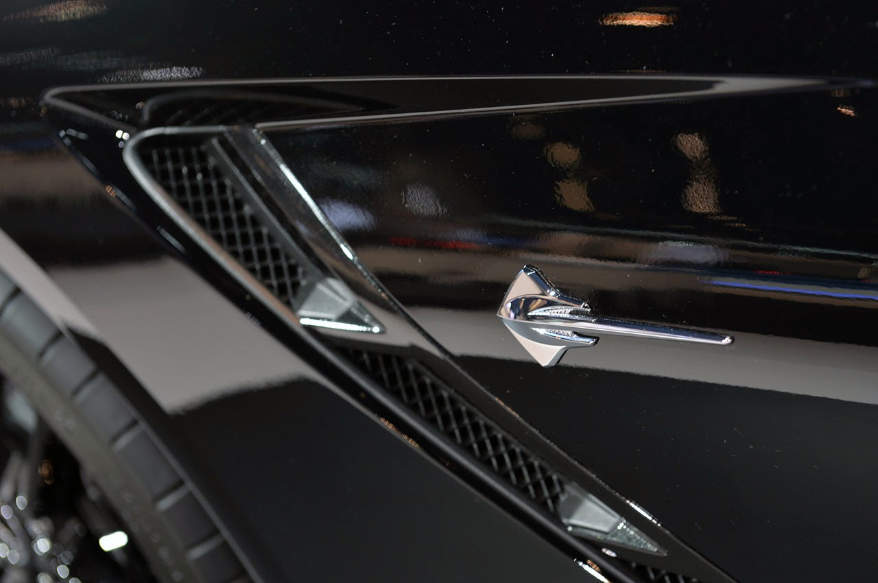 Chevrolet corvette stingray black widow chicago 2013 photos