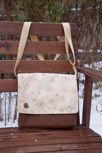 Таниному МК.  А я продолжаю шить сумочки по.  Очень удачная модель! .  Маленькая хорошенькая и очень удобная...