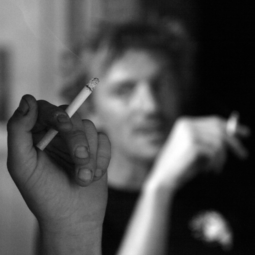 fumeurs de cigarettes, smoking men, smokers, photo © dominique houcmant