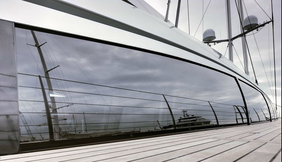 The Vertigo 220 Superyacht Has A Sophisticated Interior