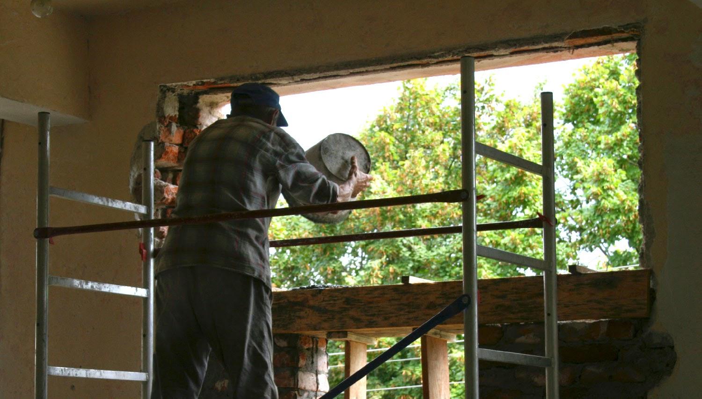 Concrete into the lintel