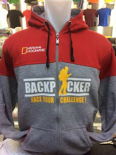 gambar desain terbaru jaket hoodie foto photo kamera Jaket hoodie Backpacker Seri National Geographic warna merah kombinasi warna abu-abu terbaru di enkosa sport toko online terpercaya lokasi di jakarta pasar tanah abang