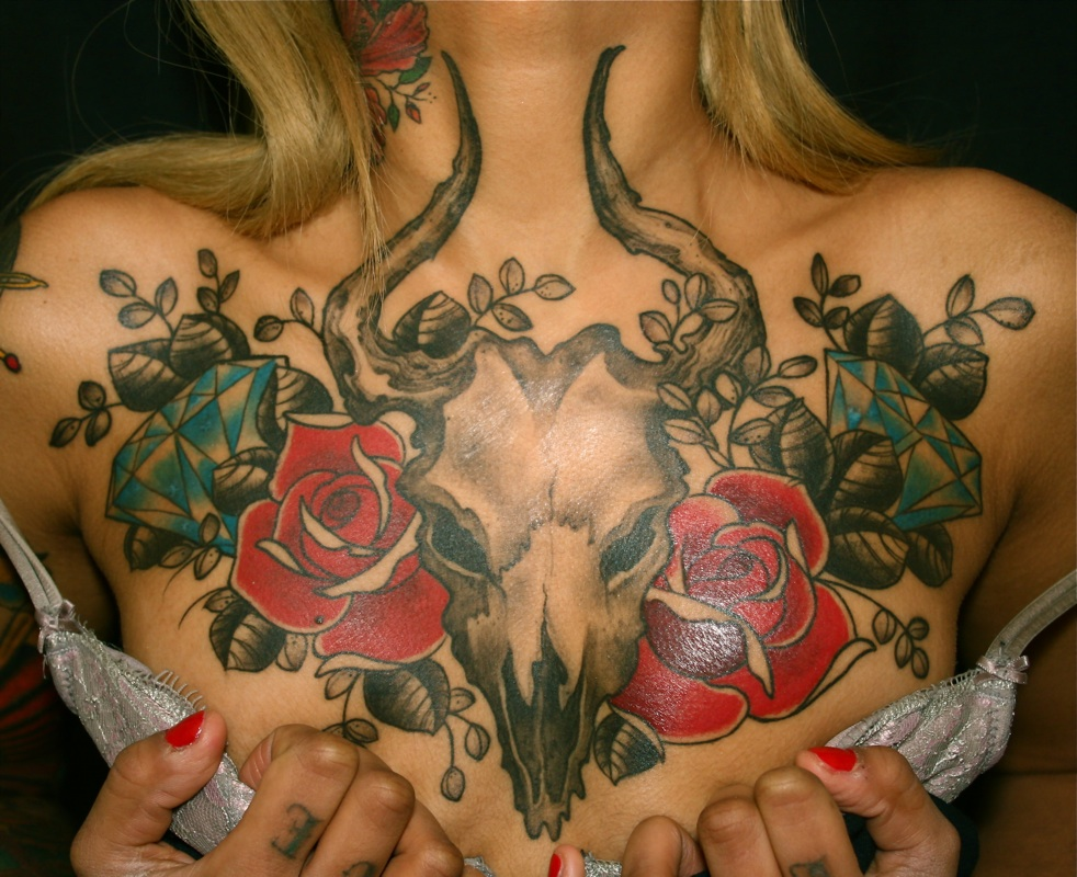 chest tattoos on naked chicks
