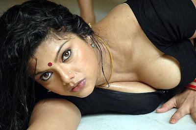 http://4.bp.blogspot.com/-4LA2YEcbPJ0/TlZwhW5KURI/AAAAAAAABUg/se-2UK_5dlI/s1600/actress-swathi-hot.jpg