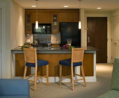 Decoraci n de interiores encuentra la cocina de tus sue os for Decoracion de cocinas pequenas con barra