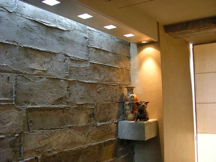 Декоративна стена имитация на стар кофраж