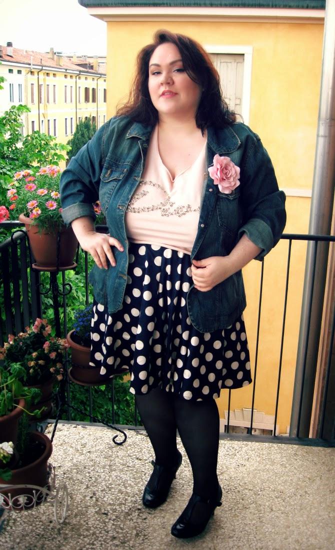 outfit plus size di pasqua con crop top diva