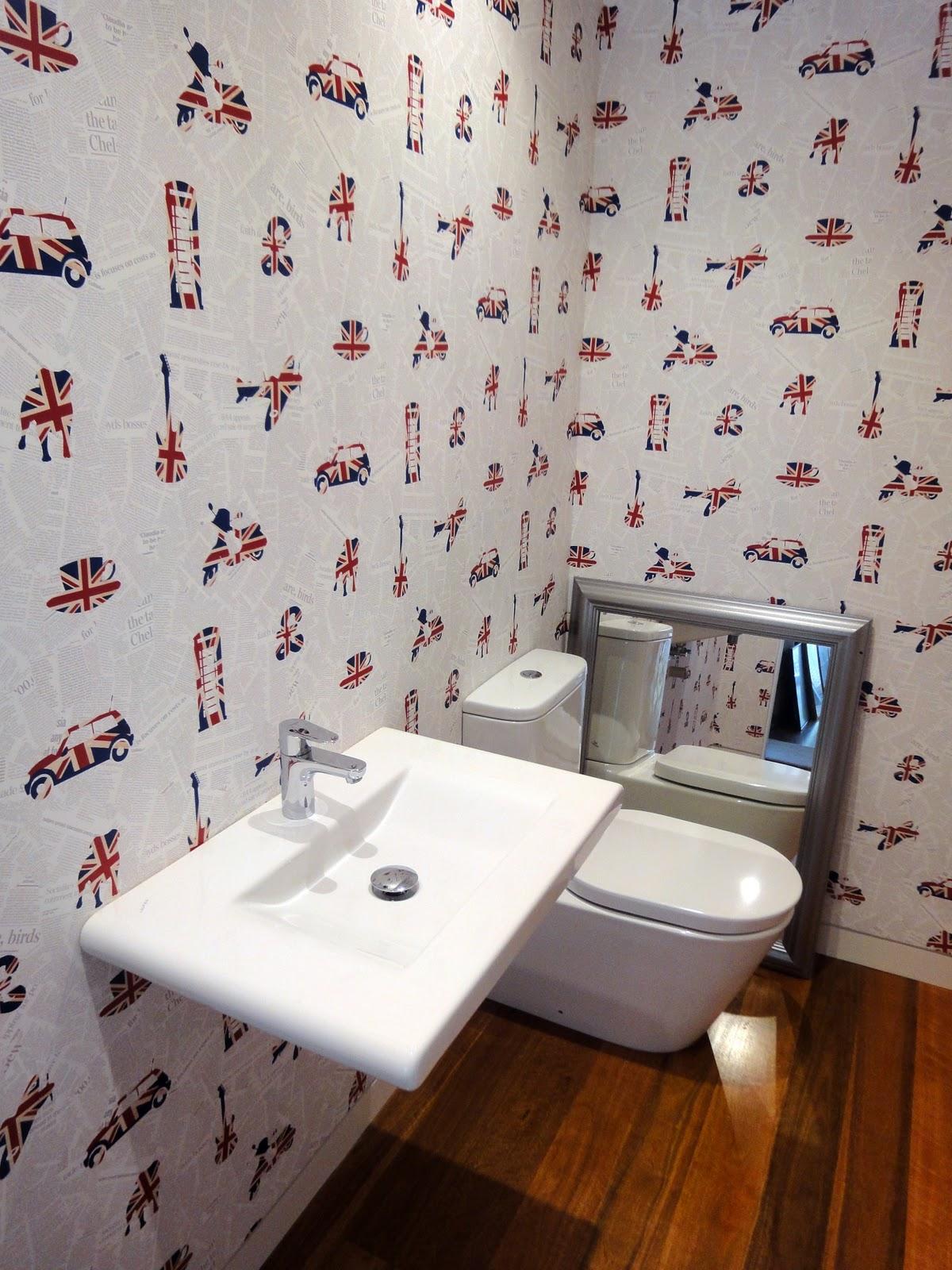 http://4.bp.blogspot.com/-4LibrI2T-pk/TnwczgYSivI/AAAAAAAABXo/CbtSXGGxox4/s1600/Rumpus+room+toilet.jpg