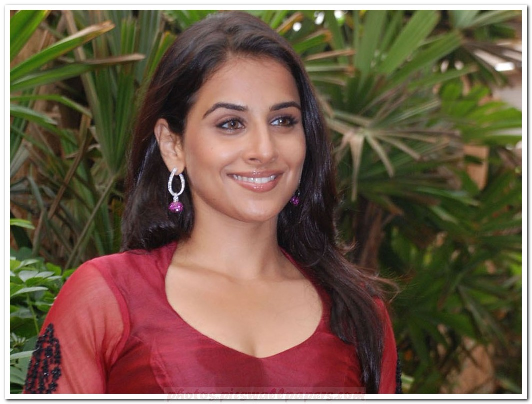 vidya balan hot wallpapers 2012 | latest vidya balan wallpapers