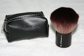 http://amz88.blogspot.com/2011/06/mac-182-mini-kabuki-brush-review.html