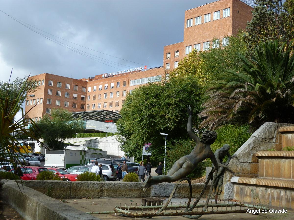 La Plaza De Olavide Hospital Cl Nico San Carlos