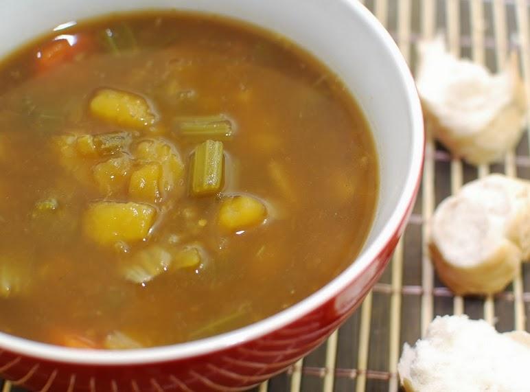 Sopa de Batata-Salsa (vegana)