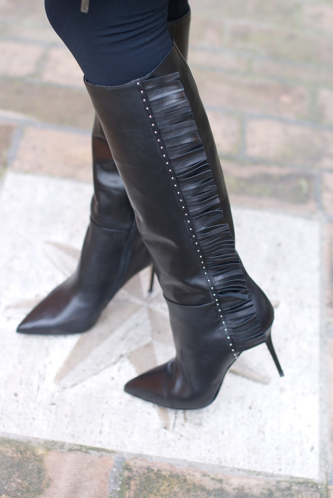 Le Silla fringed boots on Fashion and Cookies fashion blog, fashion blogger style