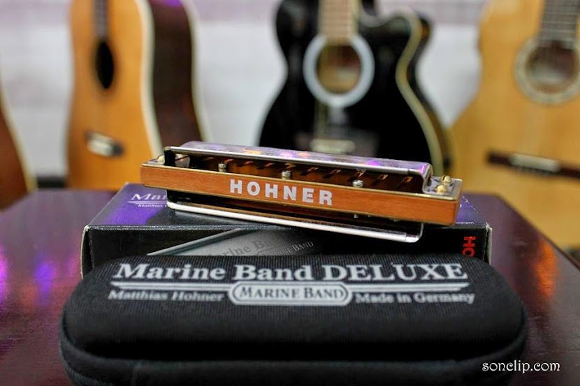 Marine Band Deluxe