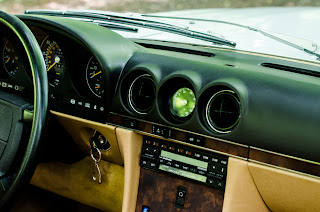 36 Mercedes-Benz 560SL R107 1988