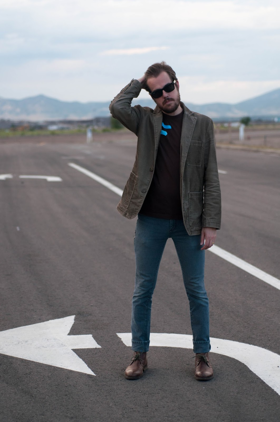 ootd, mens fashion, mens style, gordon rush boots, ray ban sunglasses, corduroy jacket