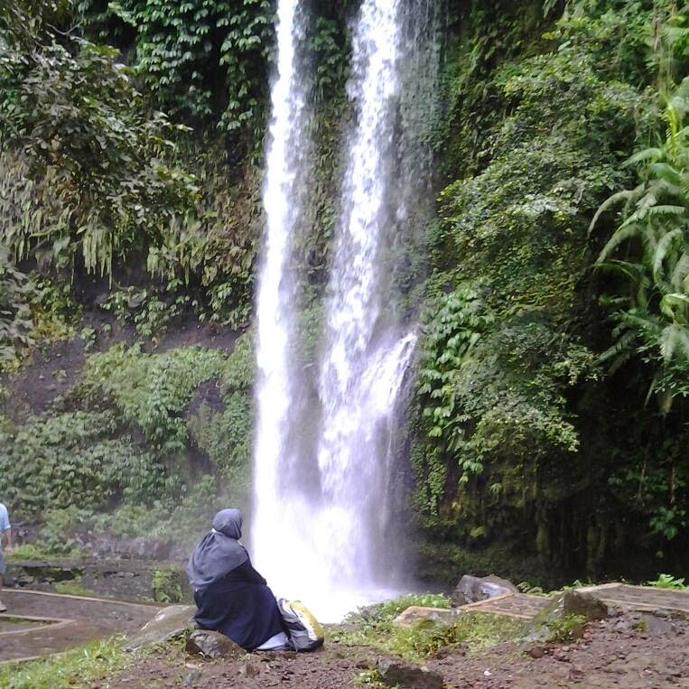sendang-gile-water-fall