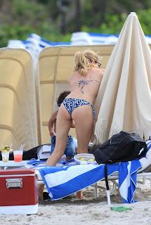 Doutzen Kroes great ass cheeks in a New Bikini