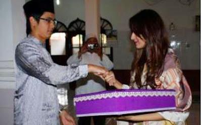 Foto Pernikahan Tommy Kurniawan Dan Tania