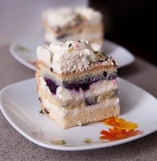 пандишпанова торта с боровинки