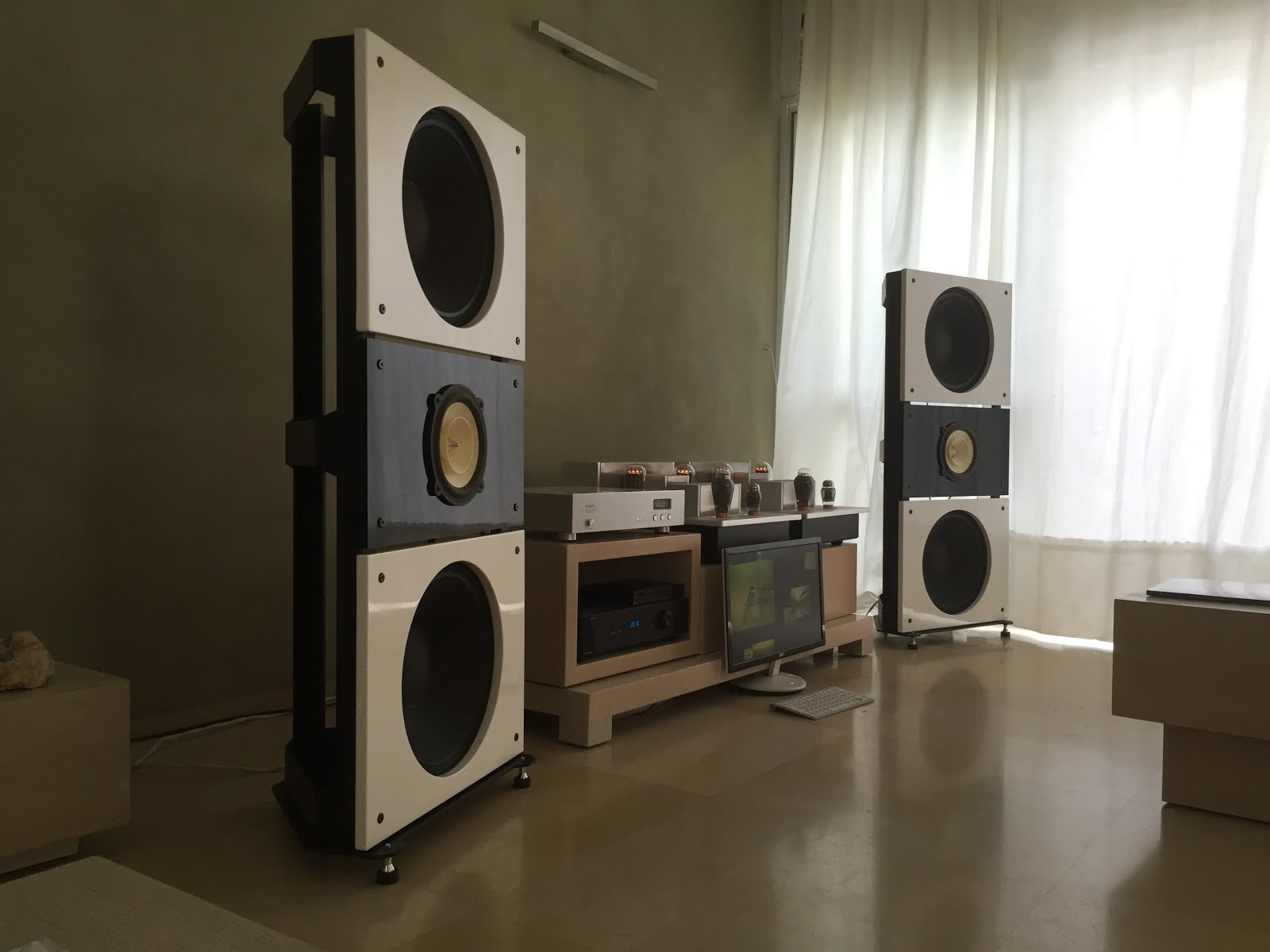 project audio Pro-ject has been producing quality hi-fi audio components for over 20 yrs 3ma is an authorized dealer of pro-ject audio systems in houston, tx.