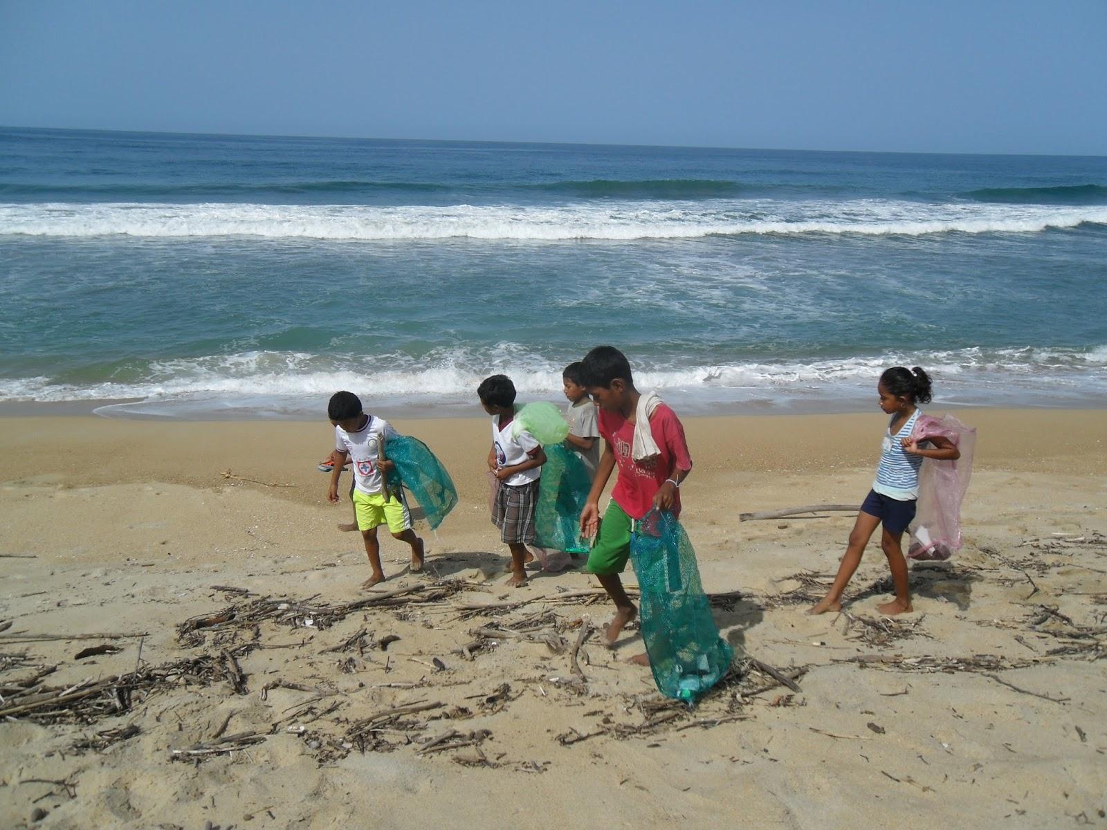 Voyage solidaire playa ventura nettoyage de la plage - Nettoyage de la fonte ...