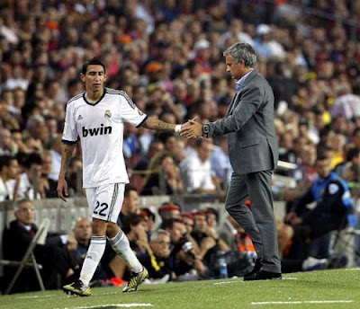 Mourinho congratulates Di Maria at Barcelona