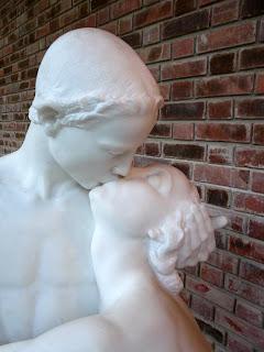 kissing-gusomana