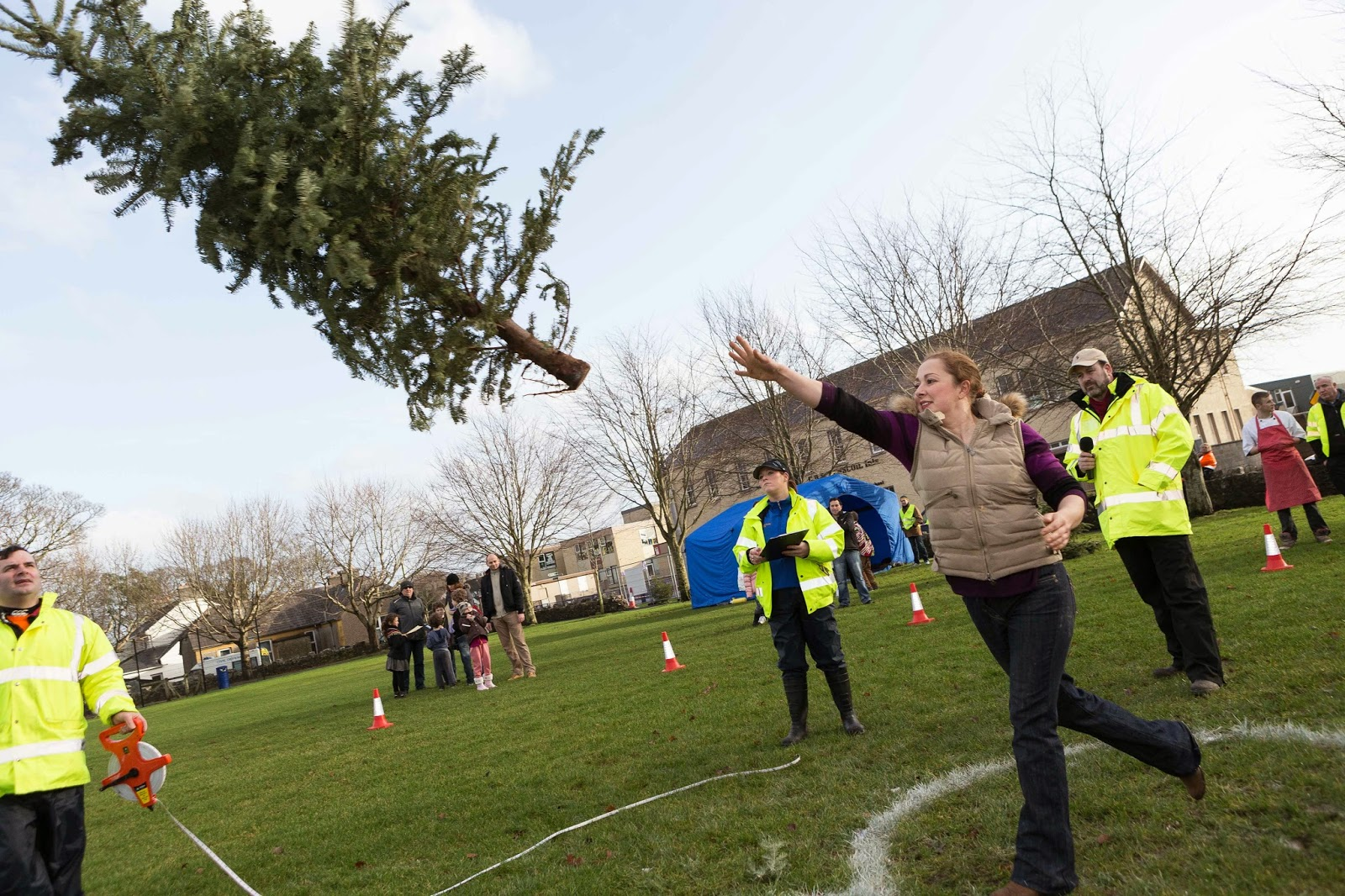 Irish Christmas Tree Throwing Championship announced