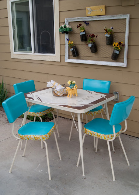 How to Make over a Vintage Dinette Set (using Spray Paint & Mod Podge!)