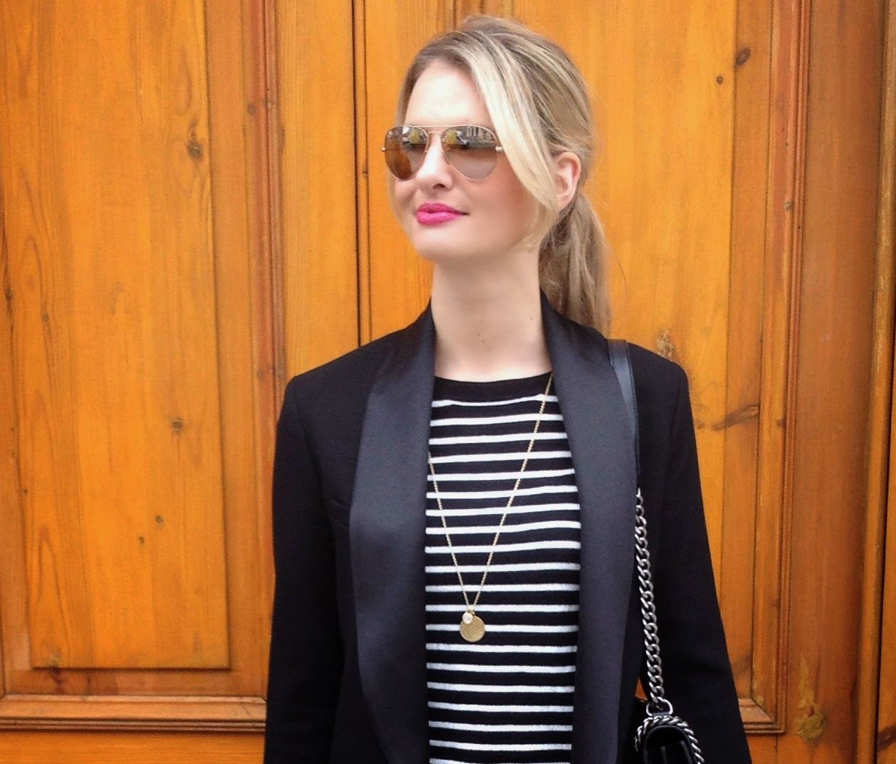 striped top, breton stripe top, monica vinader, monica vinader pendant, ray ban, aviator sunglasses, blazer, tux blazer, isabel marant blazer, isabel marant pour hm, zara boy bag, zara croco bag, pink lipstick, chrissabella, fashion blogger, german fashion blogger, deutscher fashion blogger, london, london fahsion blogger