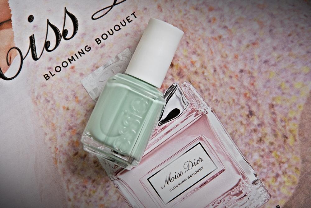 Essie Fashion Playground + porównanie z Turquoise & Caicos i Mint Candy Apple