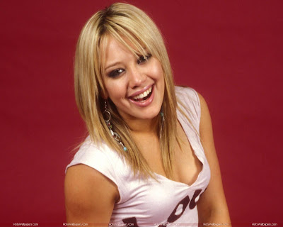 Hilary Duff Smiling HD Wallpaper