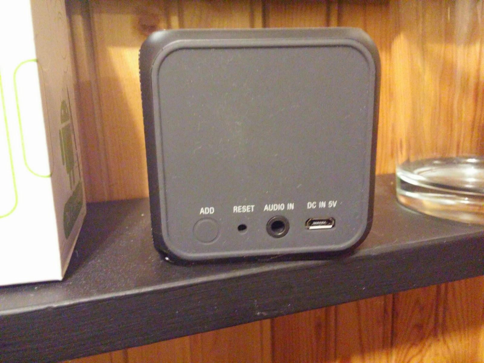 Sony's tiny cube speakers can deliver you true stereo ...
