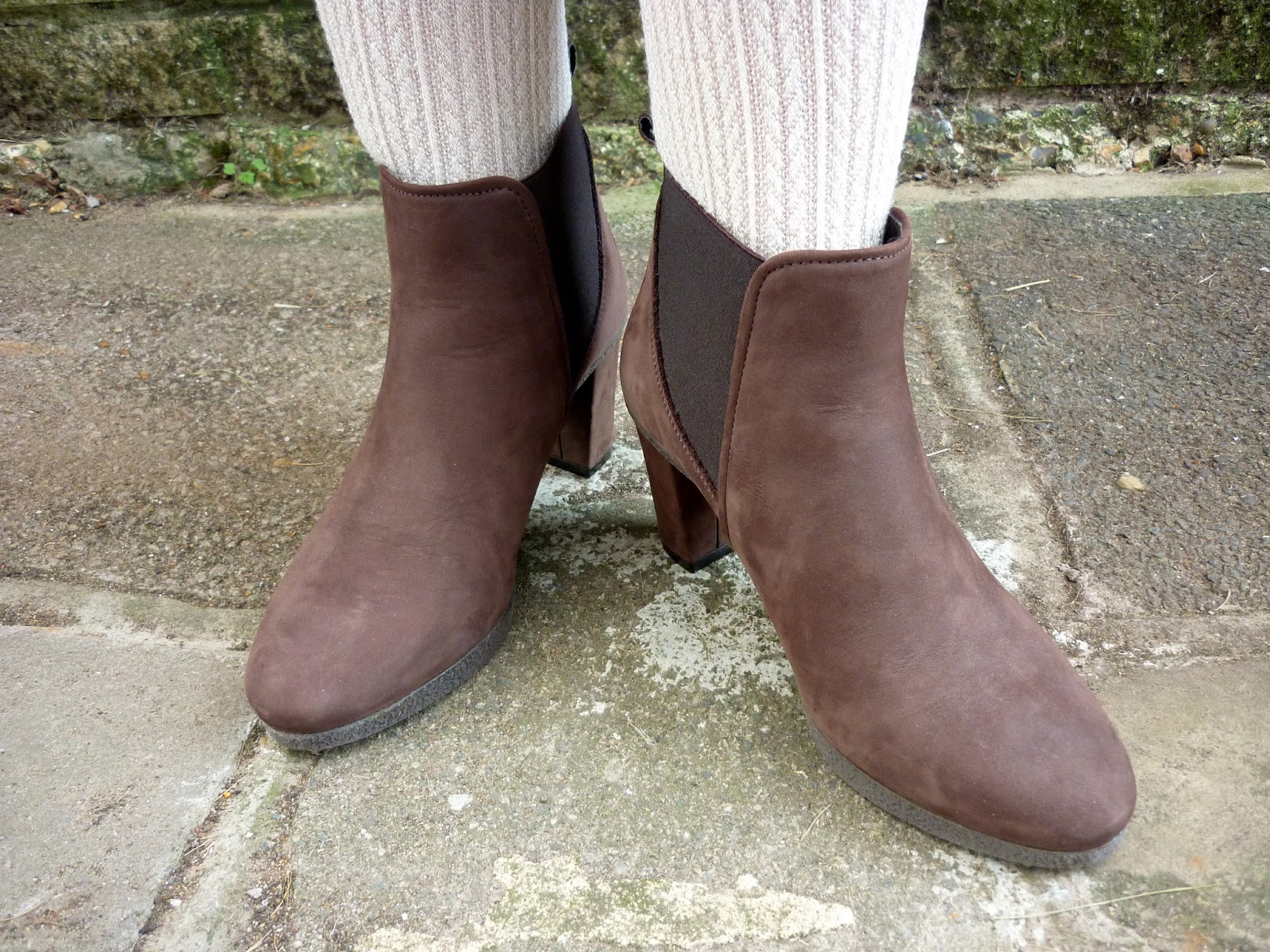 Woolly Patterned Tights. Brown Faux Suede Shoe Boots | Petite Silver Vixen