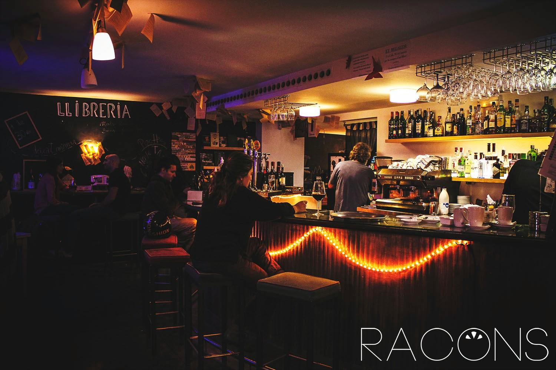 Barra llibreria cafè context girona