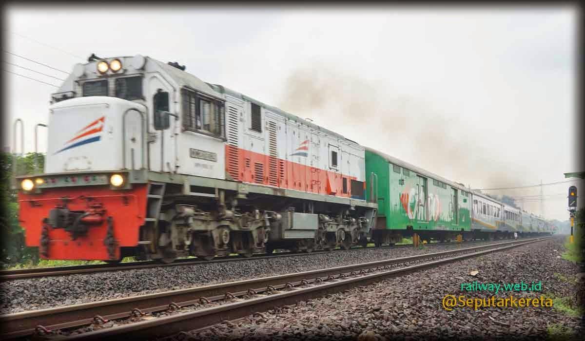 Gambar KA Bangunkarta di Tarik Lokomotif CC2018329