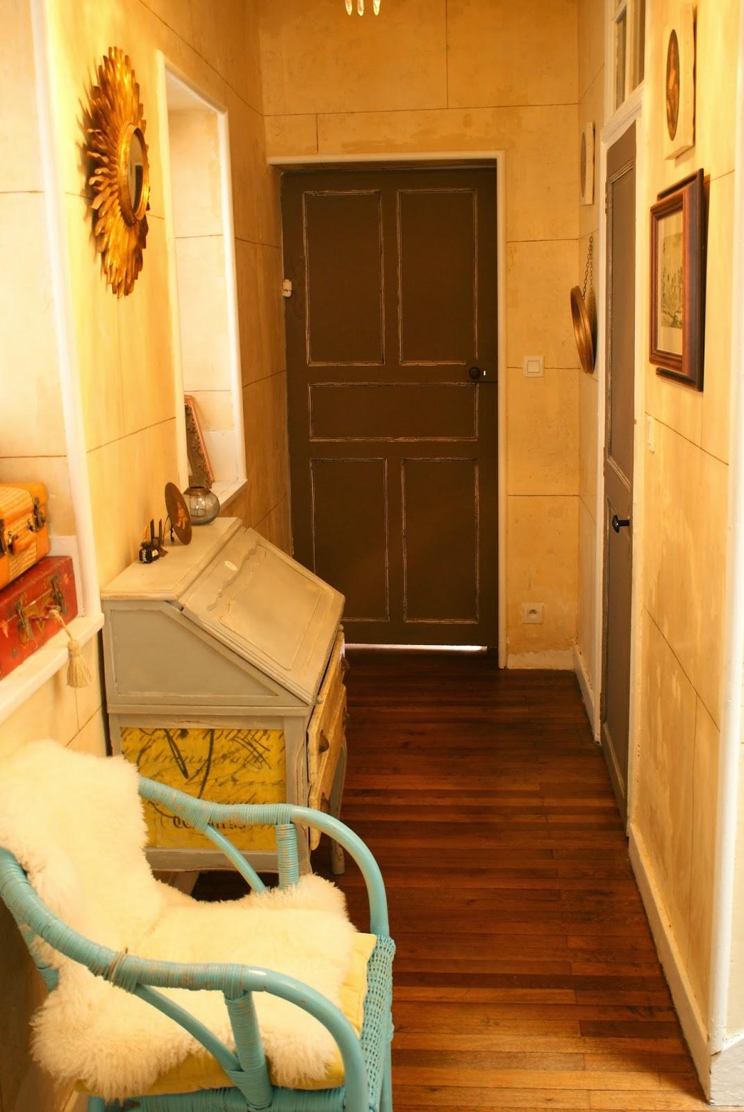 Le Cabinet D 39 Alex Bruits De Couloir