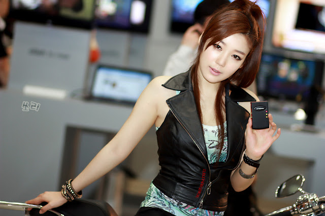 1 Jo Sang Hi - World IT Show 2012-very cute asian girl-girlcute4u.blogspot.com