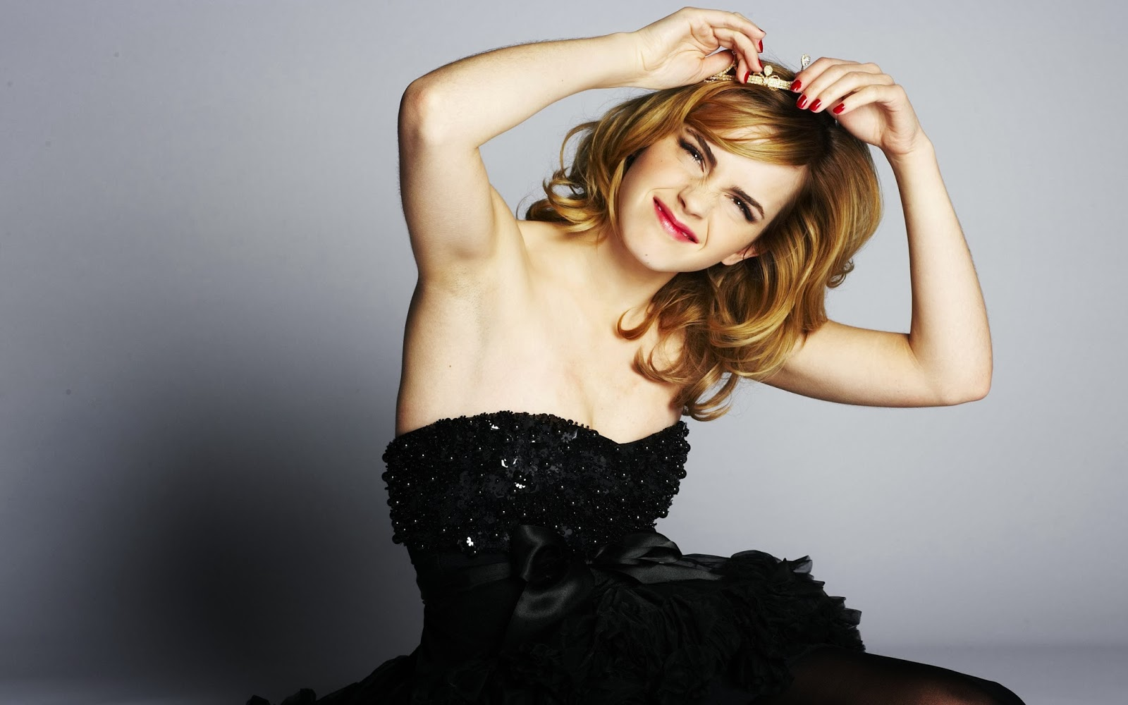 All Wallpapers: Emma Watson Hot & Sexy Wallpapers 2013