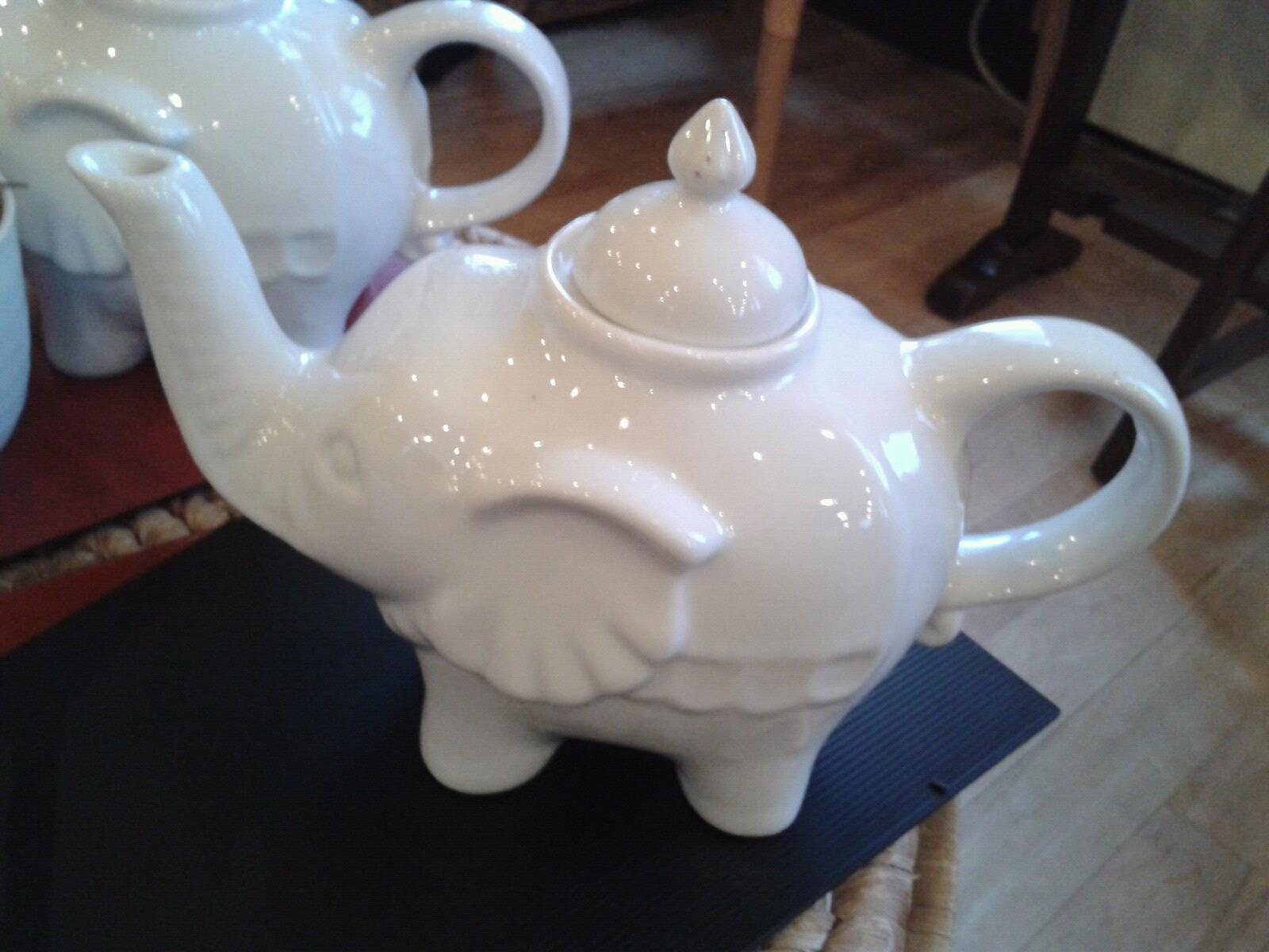 Little miss delicious i wish all tea came in elephant shaped teapots - Elephant shaped teapot ...