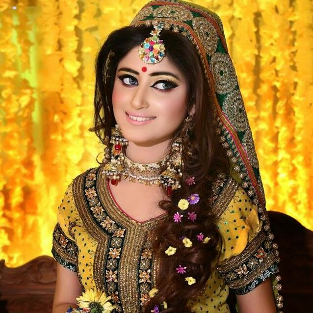 Mehndi Makeup In I : Mehndi designs  for wedding bridal