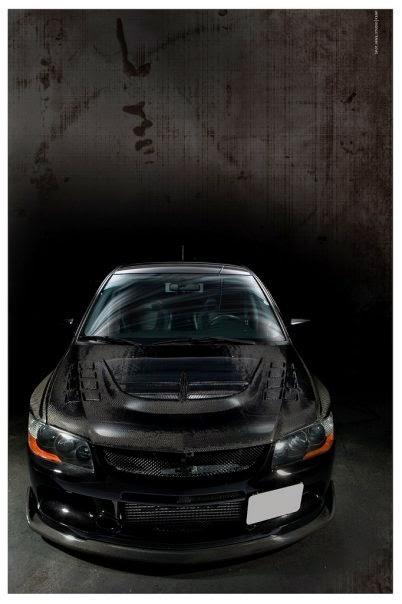 700 WHP Mitsubishi Evo with Black Carbon Fiber Hood