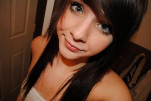 Chica con ojo negro